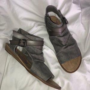 c9130bc0cc0 Blowfish Shoes - NWOT - Blowfish Balla Sandal